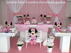 Aluguel de mesa temática da Minnie. Aluguel somente no DF.