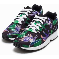 Adidas Originals Zx Flux (305 BRL) ❤ liked on Polyvore featuring shoes, sneakers, everyday shoes, patterned, womens-fashion, patterned shoes, round toe shoes, black trainers, black shoes and round cap
