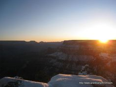 Grand Canyon sunrise. The featured image for this week's roundup of the best canyon posts on Grand Canyon 123.