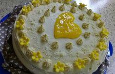 Zitronen-Mohn-Rahm-Torte