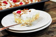 Looking for a dessert that instantly screams fun? Would simple and no-bake make it any better? I have just the recipe for you - banana split cake! I just can't wait to share the r (Cool Desserts Banana Split) Sweet Recipes, Cake Recipes, Dessert Recipes, Köstliche Desserts, Delicious Desserts, Banana Split Cake Recipe, Soften Cream Cheese, Cake Ingredients, How Sweet Eats