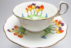 Vintage Royal Albert Crown China  Tulip Tea Cup von trinketstogo, $45.99