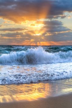 travelingcolors:      Splash Sunrise in Delray Beach | Florida (by by Debra and Dave Vanderlaan)
