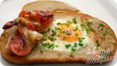 Opečený chléb s vajíčkem a medovou hořčicí