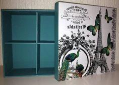 Peças com estampa Vintage (Paris) - pintura azul turquesa.  Ideal para presentear uma amiga querida ou guardar as suas bijus!  Possui 4 divisórias na caixa maior.   Dimensões: Caixa maior - 18 X 18 (8 cm altura) Caixa menor - 13 X 13 (8 cm altura) R$ 58,00