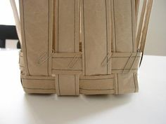 easy basket making Paper Basket, Leather Backpack, Recycling, Weaving, Diy, How To Make, Design, Organizations, Bingo
