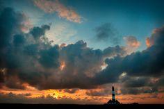 Leuchtturm Westerhever im Sonnenuntergang von Hans-Günter Wiemer