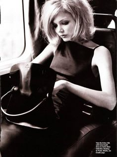 Blondes should always wear bobs and black... classic look!
