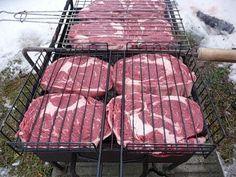 стейк из свинины на гриле