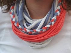 Rip old t shirts a part and tie together to make your own custom scarves! Use braids, beads or even wrap with leather! Fun, easy and cute! Scarf Shirt, Shirt Scarves, Tshirt Garn, Cut Tee Shirts, Recycled T Shirts, Upcycle Shirts, Yarn Necklace, Earrings, Recycling