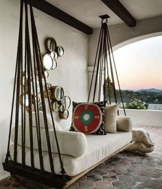 Create an inspiring and comfortable outdoor space with a porch swing daybed. You… Create an inspiring and comfortable outdoor space with a porch swing daybed. Home Interior Design, Interior Decorating, Decorating Ideas, Interior Modern, Room Interior, Modern Decor, Outdoor Beds, Outdoor Swings, Pallet Swings