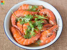 4 ingredient, 4-minute cooking prawns (shrimps) steamed in beer.