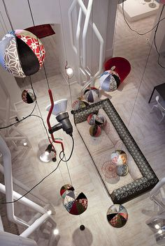 Flos-Moroso Showroom in London Cafe Interior, Decor Interior Design, Interior And Exterior, Interior Decorating, Patricia Urquiola, Commercial Interior Design, Commercial Interiors, Burgundy Room, African Furniture