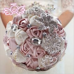 Item Type: Wedding Bouquet Brand Name: WIFELAI-A Material: Polyester Item Length: 25 cm Item Weight: 0.8 kg Item Width: 19 cm Item Height: 25 cm Model Number: D336 Material: Simulation Item: Korean ro