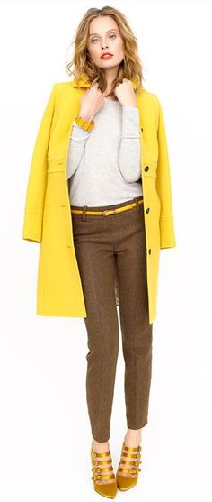 Style my yellow coat Casual Chique, Style Casual, Yellow Coat, Mellow Yellow, Style Work, My Style, Look Chic, Work Wear, Winter Outfits
