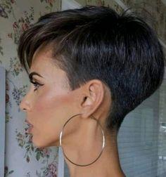 Rihanna Haircut, Short Hair Cuts For Women, Short Hair Styles, Easy Hair Cuts, Super Short Hair, Short Layered Haircuts, Pixie Haircut, Bad Hair, Great Hair