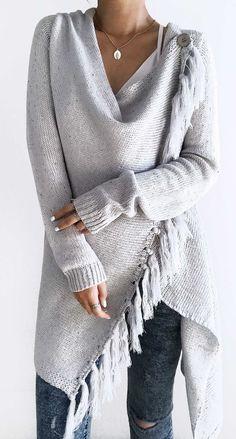 Grey Tassel Asymmetrical Hem Shawl Speckled Fringe Cardigan ready for Fall fashion! Find fashionable outfits for the new Look Fashion, Winter Fashion, Fashion Outfits, Womens Fashion, Fashion Design, Street Fashion, Diva Fashion, Fashion Black, Fashion Fashion