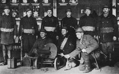 This Red Guard detachment has uncommonly good equipments. The Finnish Civil War - Reds vs Whites Finnish Civil War, The Bolsheviks, Russian Revolution, Working Class, Helsinki, Revolutionaries, Troops, Finland, Old Things
