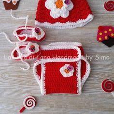 Completino da neonata composto da cappellino, copri pannolino e scarpette ballerina