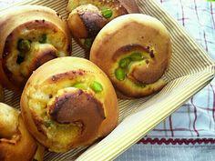 クックパッドのレシピでつくりました。 少し焦げてしまいましたが…すごく美味しいです 豆好きな子供たちもパクパクです♪ヽ(´▽`)/ - 16件のもぐもぐ - 枝豆チーズパン by mm88chu