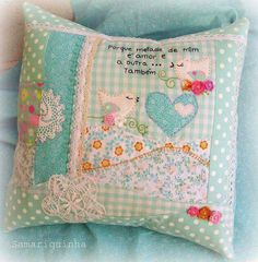 cute handmade pillow the pillow is beautiful but this would be a beautiful centerpiece for a baby quilt Cute Cushions, Cute Pillows, Diy Pillows, Throw Pillows, Fabric Crafts, Sewing Crafts, Sewing Projects, Handmade Pillows, Decorative Pillows