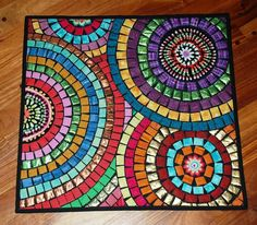Mosaic table top with nice mix of irregular and square shaped pieces. Mosaic Tray, Mosaic Tile Art, Mosaic Pots, Mosaic Artwork, Mosaic Garden, Mosaic Glass, Glass Art, Mosaic Art Projects, Mosaic Crafts