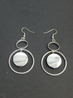 (51) σκουλαρίκια ασημί κρίκοι με χάντρα πλακέ ασημί στρογγυλή Piercing, Drop Earrings, Jewelry, Jewlery, Bijoux, Schmuck, Pierced Earrings, Drop Earring, Jewerly