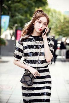 cheese in the trap -lee sung kyung Korean Fashion Trends, Kpop Fashion, Lee Sung Kyung Wallpaper, Lee Sung Kyung Fashion, Lee Sung Kyung Style, Korean Girl, Asian Girl, Korean Style, Kim Bok Joo