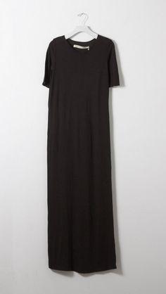 Raquel Allegra Maxi Tee Dress in Black | The Dreslyn