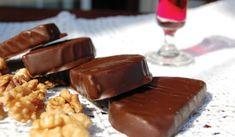 Καριόκες με μπισκότο και καρύδια   Συνταγές - Sintayes.gr Chocolate Sweets, Chocolate Fondue, Tree Branch Decor, Lemon, Gluten Free, Pudding, Desserts, Food, Life