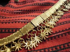 Etelä-Pohjanmaan helavyö. Kuva: Anne Rahjola / Yle   Ornamental belt from South Ostrobothnia, Finland. Used in folk dresses from that particular region.
