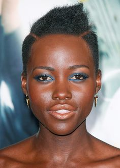 Lupita Nyong'o http://en.louloumagazine.com/beauty/hairstyles/hairstyle-trends-short-hair/ / http://fr.louloumagazine.com/beaute/cheveux/coiffures-tendance-cheveux-courts/