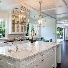 Supreme Kitchen Remodeling Choosing Your New Kitchen Countertops Ideas. Mind Blowing Kitchen Remodeling Choosing Your New Kitchen Countertops Ideas. Modern Farmhouse Kitchens, Rustic Kitchen, Kitchen Ideas, Kitchen Decor, Gold Kitchen, Kitchen Interior, Kitchen Modern, 10x10 Kitchen, Patio Kitchen