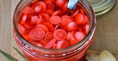 pickles,légumes au vinaigre,saumure,eau,sel,sucre,facile,condiment,radis,concombre,carottes,chou-fleur,cadeaux gourmands,conserves
