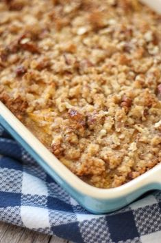This scrumptious low carb Keto Pumpkin Cake is absolutely amazing with a crunchy pecan streusel topping. You'll love how easy it is to make even if you aren't an experienced baker. Low Carb Sweets, Low Carb Desserts, Low Carb Recipes, Dessert Recipes, Cookie Recipes, Vegetarian Recipes, Dinner Recipes, Homemade Pumpkin Puree, Pumpkin Recipes