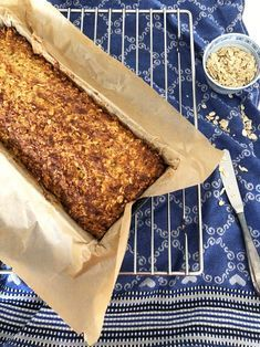 Oatmeal bread: 500 g low-fat curd cheese, 500 g pithy oatmeal, 1 tsp salt, 3 egg . bread Informations About Haferflocken Egg Recipes, Quick Recipes, Pork Recipes, Quick Easy Meals, Low Carb Recipes, Cake Recipes, Bread Recipes, Oatmeal Bread, Banana Bread