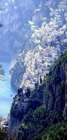 Positano, Amalfi Coast, Italy How did they build these places? Positano, Amalfi Coast, Italy How did they build these places? Places Around The World, Oh The Places You'll Go, Places To Visit, Around The Worlds, Dream Vacations, Vacation Spots, Voyage Europe, Amalfi Coast, Italy Coast