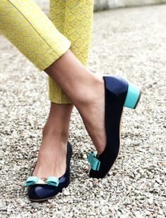 Navy and pool make a sophisticated combo in these summer flats found on sarahklassen.com