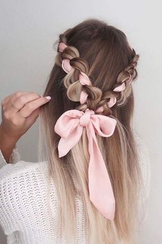 Choosing the right prom hairstyle is a major deal! We have collected 42 pretty prom hairstyles ideas for long hair that will impress anyone. Hairstyles 42 Easy And Pretty Prom Hairstyles Ideas For Long Hair In 2020 Valentine's Day Hairstyles, Easy Hairstyles For Long Hair, Pretty Hairstyles, Wedding Hairstyles, Elegant Hairstyles, Latest Hairstyles, Headband Hairstyles, College Hairstyles, Long Hairstyles