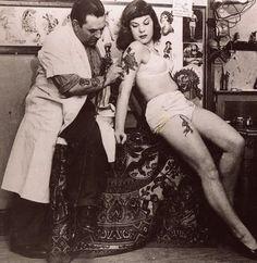 Les Skuse tattoo parlor postcard