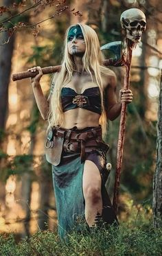 New fantasy art warrior women costumes Ideas Warrior Girl, Warrior Princess, Warrior Women, Female Viking Warrior, Vikings, Viking Cosplay, Fantasy Art Warrior, Viking Character, Mode Steampunk