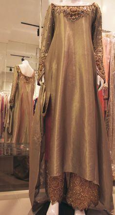 How to wear vintage -Sania Maskatiya