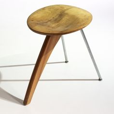 ISAMU NOGUCHI, Rudder stool, model IN-22, Herman Miller USA , 1944. Material birch, zinc-plated steel, aluminum and rubber. / Wright Auctions