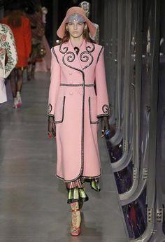 Gucci - Desfile coleção feminina outono-inverno 2017