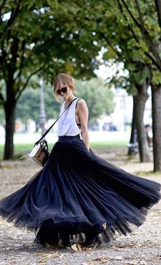 such a fun twirling skirt http://rstyle.me/n/i8muwr9te