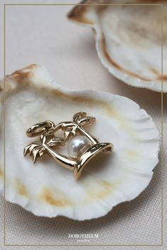insel, island, sommer, sonne, summer, sun, holiday, vacation, urlaub, strand, meer, schmuck, jewellery, accessoires, cute, motiv, pendant, necklace, kette, shell, style, fashion, süß Summer Sun, Style Fashion, Shells, Gold, Wedding Rings, Pendant Necklace, Engagement Rings, Island, Vacation