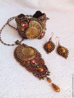 "Купить ""В лабиринтах волшебного сада"" ... - аммонит, бронзовый, коричневый, медный, лабиринт, сказочный, волшебство Bead Embroidered Bracelet, Bead Embroidery Jewelry, Beaded Embroidery, Beaded Jewelry, Beaded Bracelets, Jewellery, Ammonite, Seed Beads, Crochet Earrings"