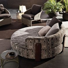 Daybed, in a different fabric. Smink | Art + Design furniture art products | Products | minotti New Product | Florida Outdoor
