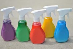 Looking for fun and easy activities this summer? From cool art projects to learning numbers and letters the Spray Bottle will be a guaranteed hit with your toddler or preschooler. Here are 21 amazing ways to use a spray bottle this summer! Summer Crafts For Kids, Summer Kids, Art For Kids, Kids Fun, Bottle Painting, Bottle Art, Sidewalk Chalk Recipe, Spray Chalk, Liquid Chalk