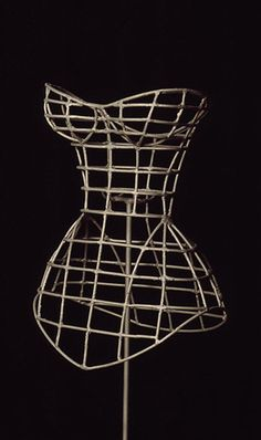 wire corset Fashion History, Fashion Art, Womens Fashion, Fashion Design, Emo Fashion, Gothic Fashion, Moda Peru, Manequin, Future Fashion